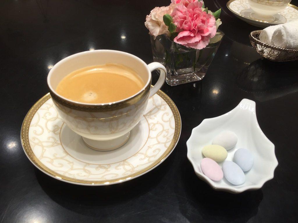 ケイウノ_飲み物お茶菓子