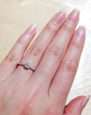 ハーフエタニティ婚約指輪