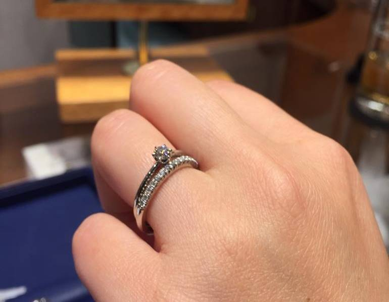 銀座ダイヤモンドシライシ重ね付けハーフエタニティ