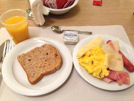 ハネムーン 朝食